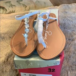 White sandals flat with rhinestones thong type